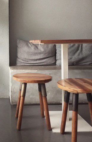 clean table and chairs